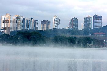 English: Winter skyline in Curitiba.