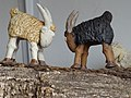 Coladilla cabras enfrentadas Pilar Tirado.jpg