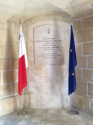 Malta Maritime Museum - Plaque commemorating the opening of the museum in 1992