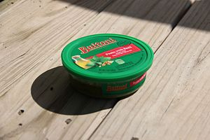 Buitoni - A container of Buitoni pesto