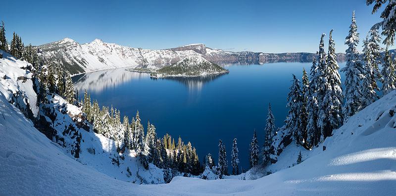 Ces lieux réels dignes d'un RP 800px-Crater_Lake_winter_pano2