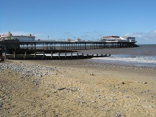 Cromer Pier - panoramio
