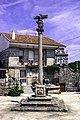 Cruceiro da igrexa de Quins.jpg