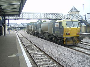 British Rail MPV - DR98915 and DR98965 passing through Lincoln on 26 October 2007