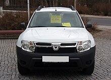 Dacia Duster Ambiance 1.6 16V 4x2 Artiksweiß Front.JPG