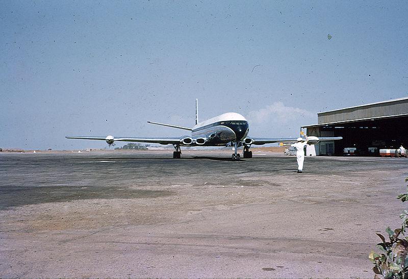 800px-Darwin%27s_Civil_Terminal_1961.jpg