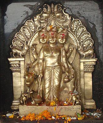 Dattatreya - Image: Dattatreya at Saptashrungi (cropped)