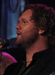 David Phelps (cropped).jpg
