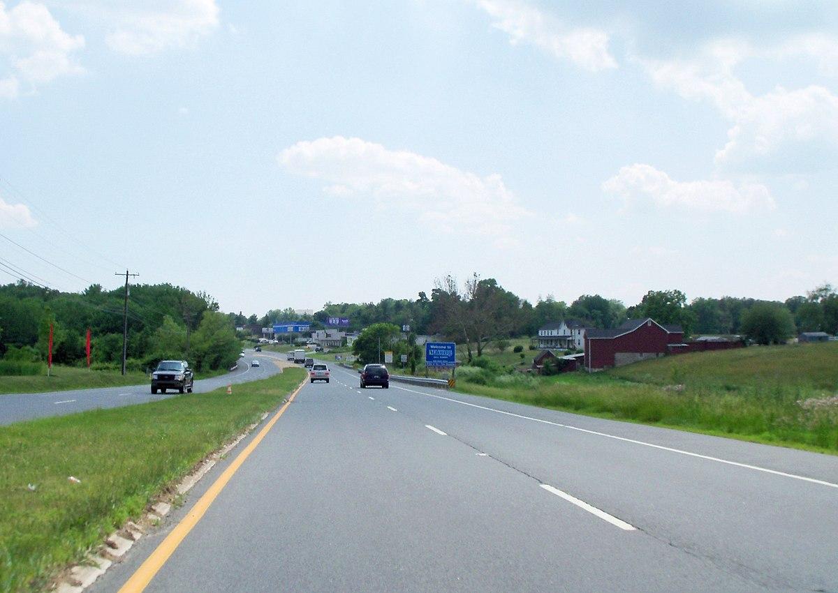 Delaware State Line - panoramio.jpg