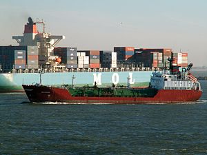 Deltagas turning for a big container ship at Rotterdam, Holland 29-Jan-2006.jpg