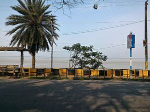 Diamond Harbour - Hoogly River and the Marine Drive at Diamond Harbour.