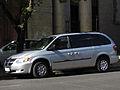 Dodge Grand Caravan 3.3 2003 (13632701395).jpg