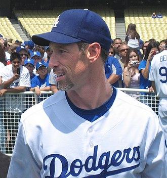 Luis Gonzalez (outfielder) - Luis Gonzalez as a Dodger.