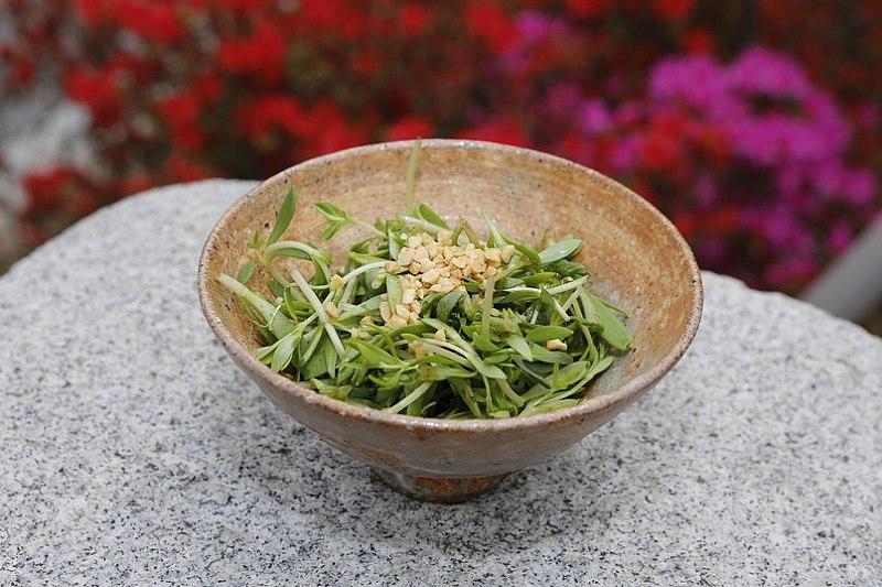 File:Dolnamul-ttangkong-salad.jpg