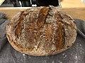 Domácí žitno-pšeničný chléb.jpg
