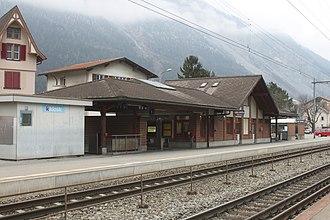 Domat/Ems (Rhaetian Railway station) - Image: Domat Ems 240115 2