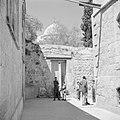 Doorkijk naar de Heilige Grafkerk in Jeruzalem, Bestanddeelnr 255-5205.jpg