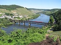 Doppelstockbrücke Alf-Bullay 2010.jpg