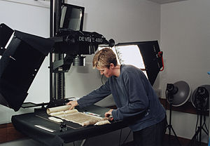 Digitization - Digitization at the British Library of a Dunhuang manuscript for the International Dunhuang Project