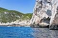 Eingang zur Blauen Grotte auf Bisevo, Kroatien (48693930972).jpg
