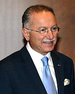 Ekmeleddin İhsanoğlu - Ihsanoğlu in 2009.