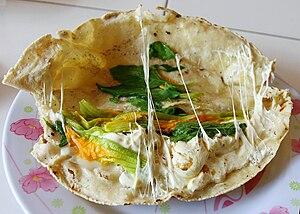 Oaxaca cheese - Image: Empanada flor de Calabaza