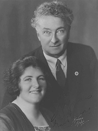 Lyons Government - Joseph Lyons with his politically active wife Enid Lyons.