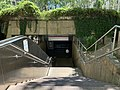 Entrée de la station de métro de la Place Guichard à Lyon (mai 2019).jpg
