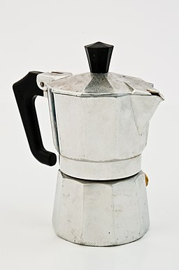Espressokanne im Lichtzelt