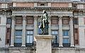 Estatua de Murillo frente al Prado.jpg
