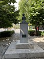 Estatua plaza Bibataubín.jpg