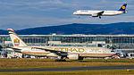 Etihad Airways Boeing 777-237(LR) A6-LRA (16277583101).jpg
