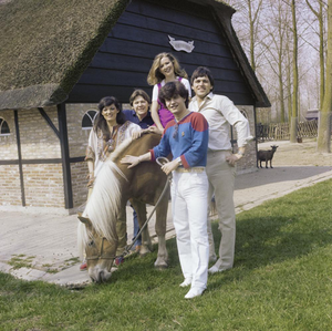 300px-Eurovision_Song_Contest_1980_postcards_-_Blue_Danube_04.png