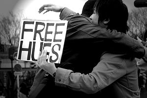 Free Hugs Campaign - FREE HUGS, in Hibiya Park, Tokyo Prefecture.