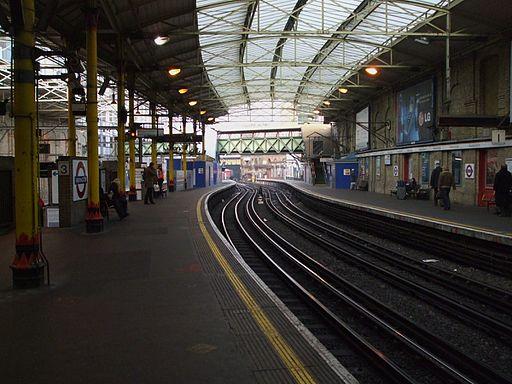 Farringdon station Underground look north