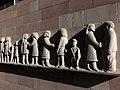Fassadenrelief, Leute von Heute, 1961, Peter Moilliet (1921–2016) 1.jpg