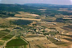 Vue aérienne du Plateau et de Ferrassières