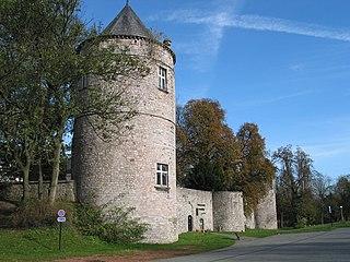 Fontaine-lÉvêque Castle