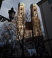 Frauenkirche Muenchen 20131225.jpg