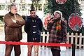 Galcerán inaugura junto a Javier Fernández una Pista de Hielo en Azca con su nombre 03.jpg