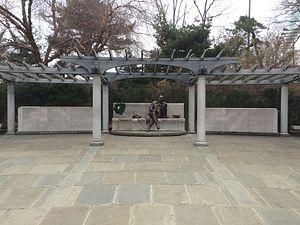 George Mason Memorial - Image: George Mason Memorial (December 2014)