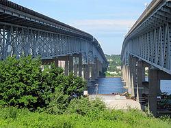 Gold Star Bridge Groton CT.jpg