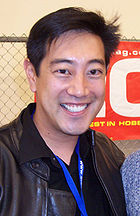 http://upload.wikimedia.org/wikipedia/commons/thumb/0/01/Grant_Imahara.jpg/140px-Grant_Imahara.jpg