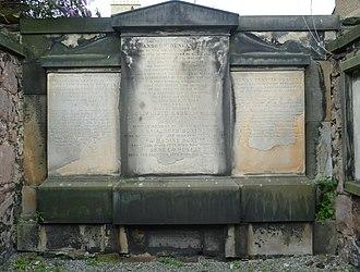 Andrew Duncan, the elder - Duncan's gravestone (centre)
