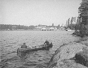 Adirondack guideboat - Guide boat, Paul Smith's Hotel,  Lower Saint Regis Lake, 1903