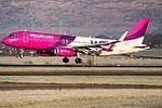 HA-LYL A320 Wizz (31816887610).jpg
