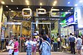HK 觀塘 Kwun Tong 1亞太中心 One Pacific Centre OPC n sidewalk shop Standard Chartered Bank n visitors July 2018 IX2 02.jpg