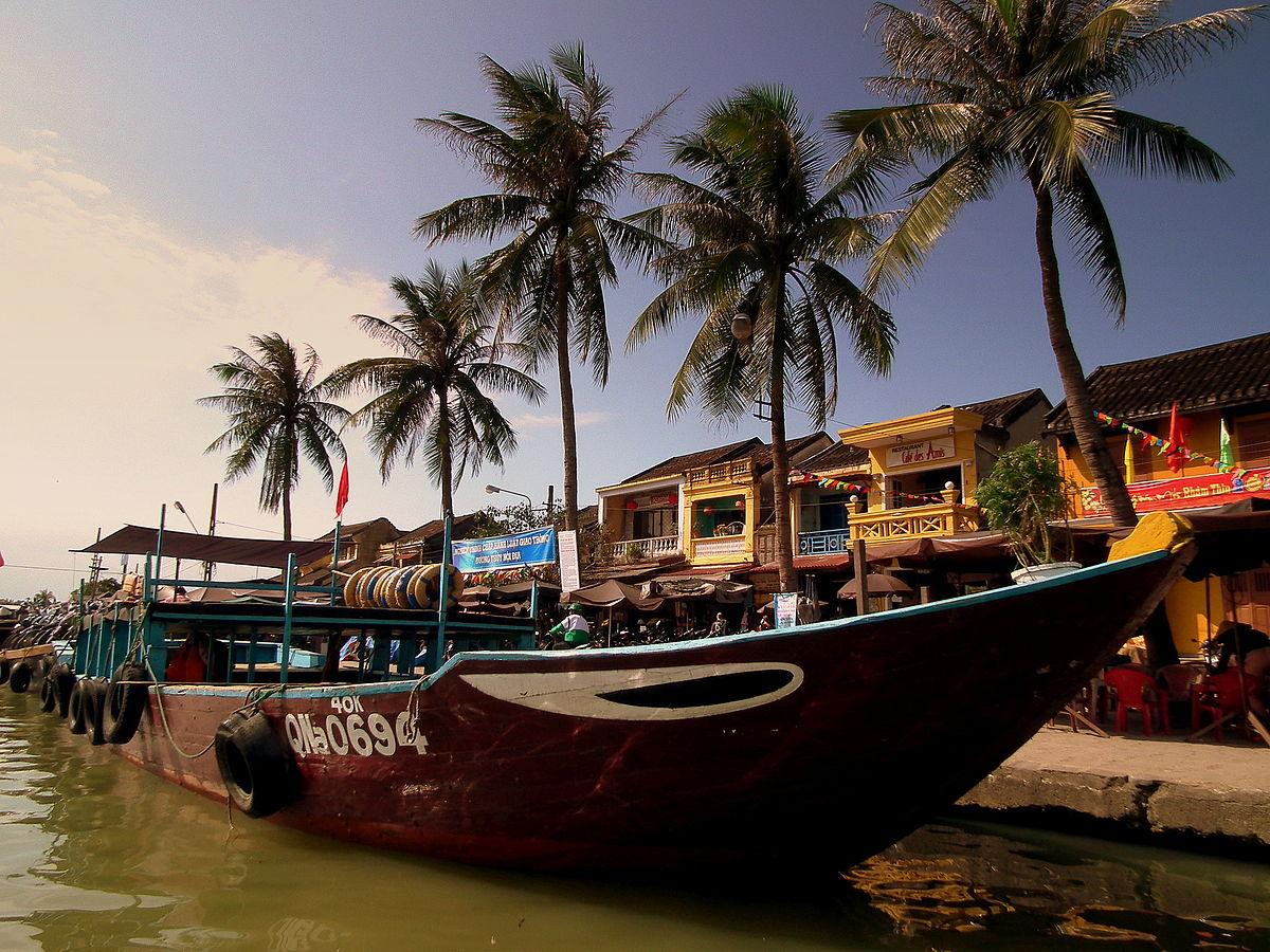 HOI AN VIETNAM FEB 2012 (6859713268).jpg