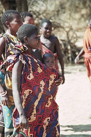 Hazda woman with child