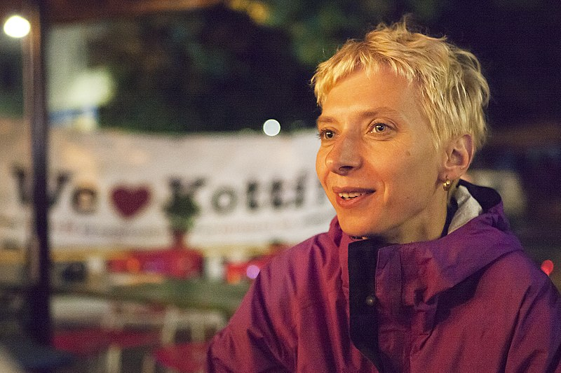 File:Halina beim Protestcamp Kotti & Co.jpg